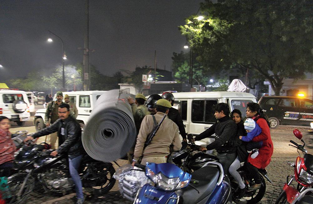 The policemen leaving the Ghanta Ghar in Lucknow on Saturday evening