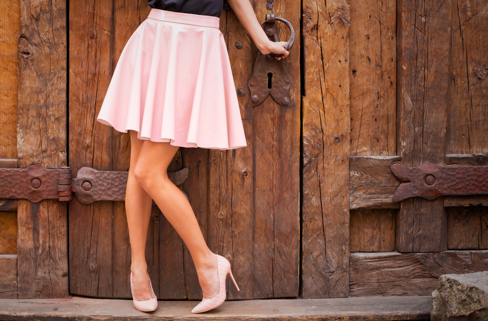 Take the short skirt alone. Many want to try it. But won't. If you want to, go ahead.