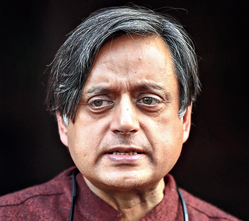 Celebs voice 'fear' to Shashi Tharoor