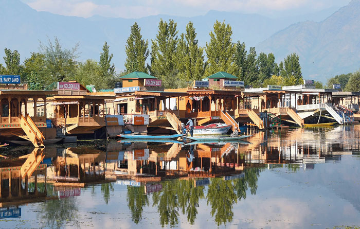 Empty shikaras at the Dal Lake on Thursday. Dozens of VIP politicians including three former chief ministers — Farooq Abdullah, Omar Abdullah and Mehbooba — were arrested or put under house arrest as a precaution ahead of the revocation of the state's special status on August 5.