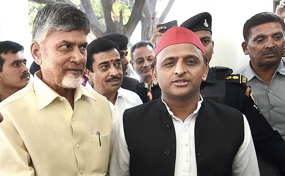 Chandrababu Naidu meets Akhilesh Yadav in Lucknow on Saturday.