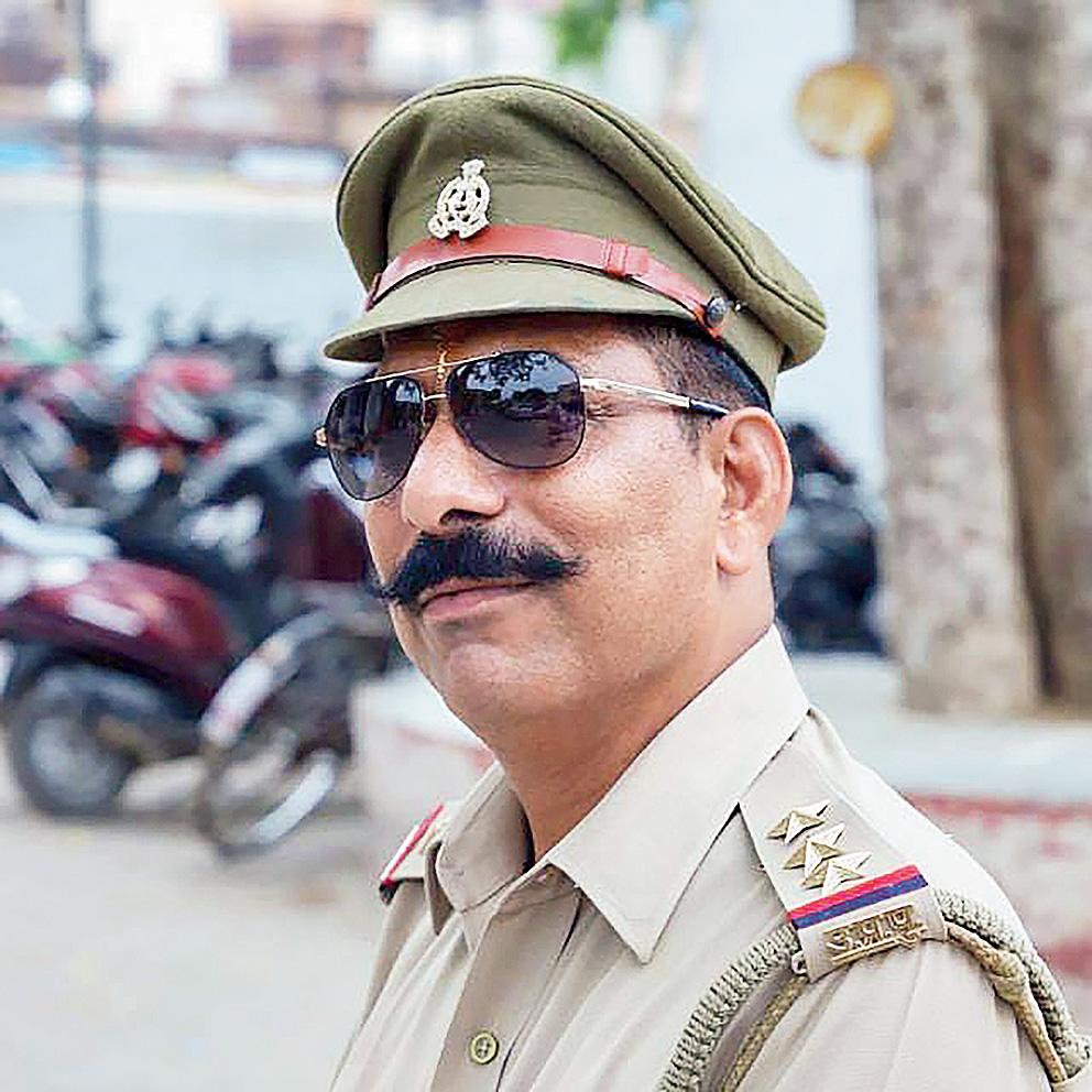 Slain cop's sister sees Akhlaque plot