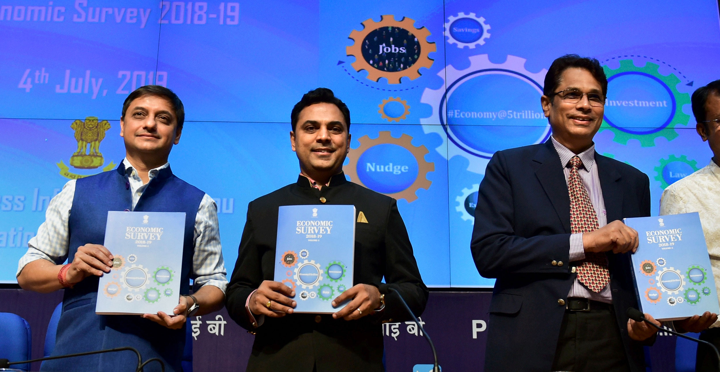 Chief economic adviser K.V. Subramanian, principal economic adviser to the Finance ministry Sanjeev Sanyal and Press Information Bureau principal director-general Sitanshu Ranjan Kar hold copies of Economic Survey 2018-19 during a press conference,  in New Delhi, on July 04, 2019.