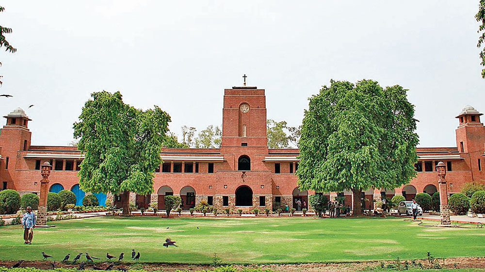 Teachers, principal locked in admissions row at St Stephen's College