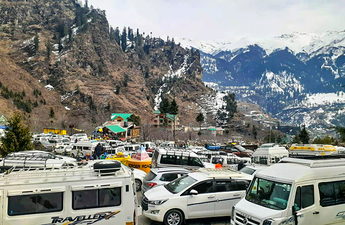 Traffic chaos on roads as tourists arrive to celebrate the new year 2020, in Manali