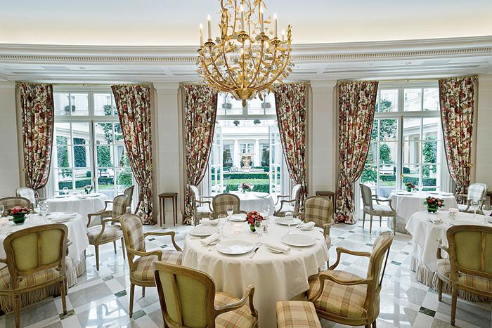 Le Bristol Paris' Michelin-starred restaurant Epicure