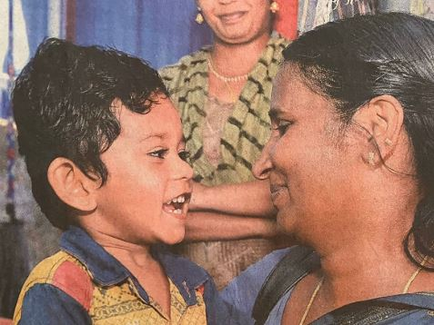 A photo of an Anganwadi teacher visiting a child at home while distributing food from the mid-day meal scheme, published in Malayala Manorama has been applauded and shared widely on Twitter.