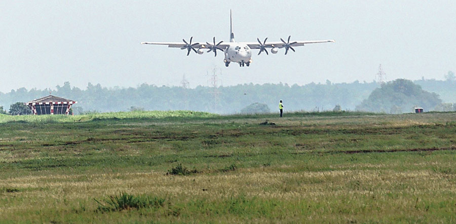 The presence of an air base in Panagarh, about 140km from Calcutta, makes it easier to mobilise troops from there
