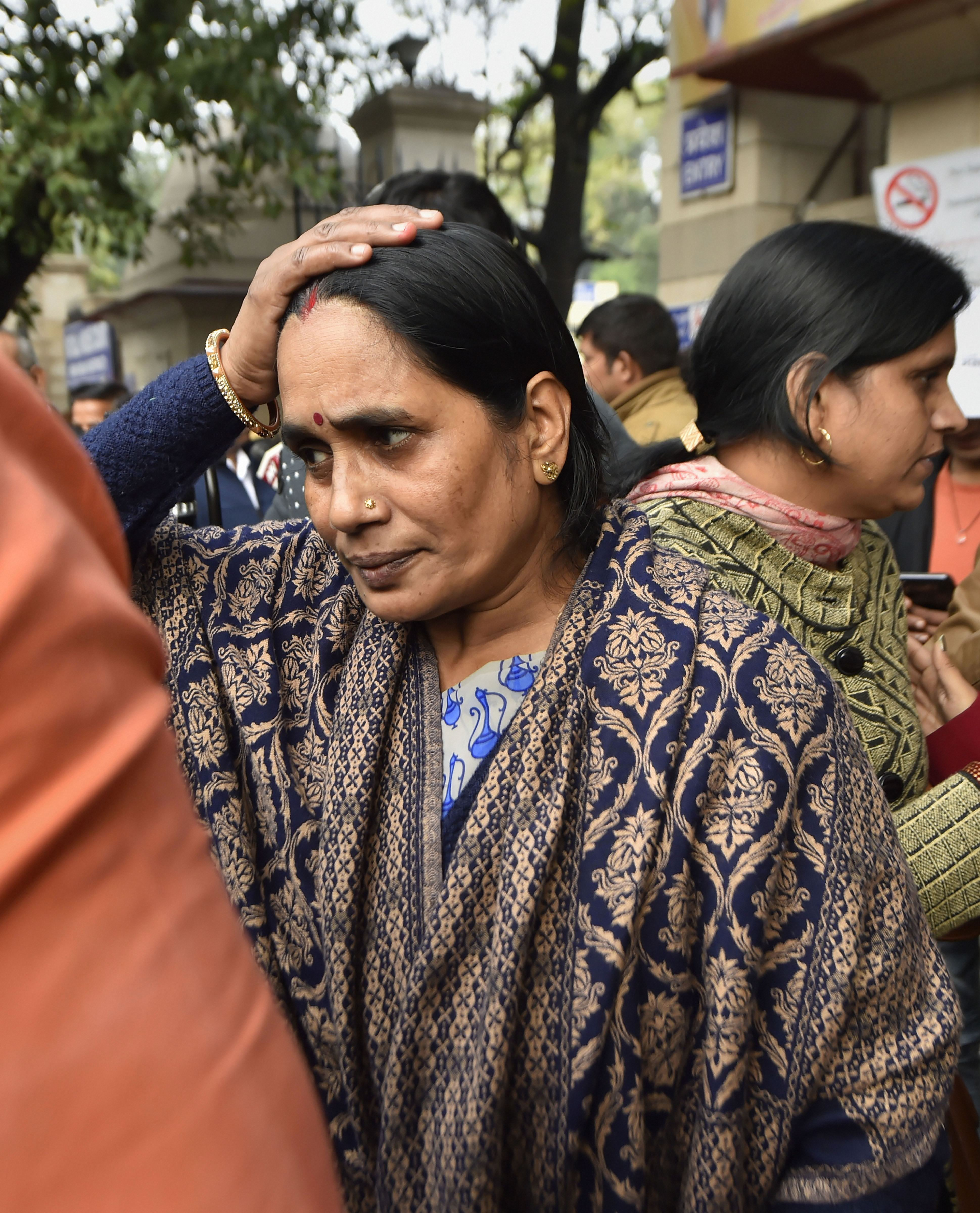 Nirbhaya's mother wants convicts hanged on December 16