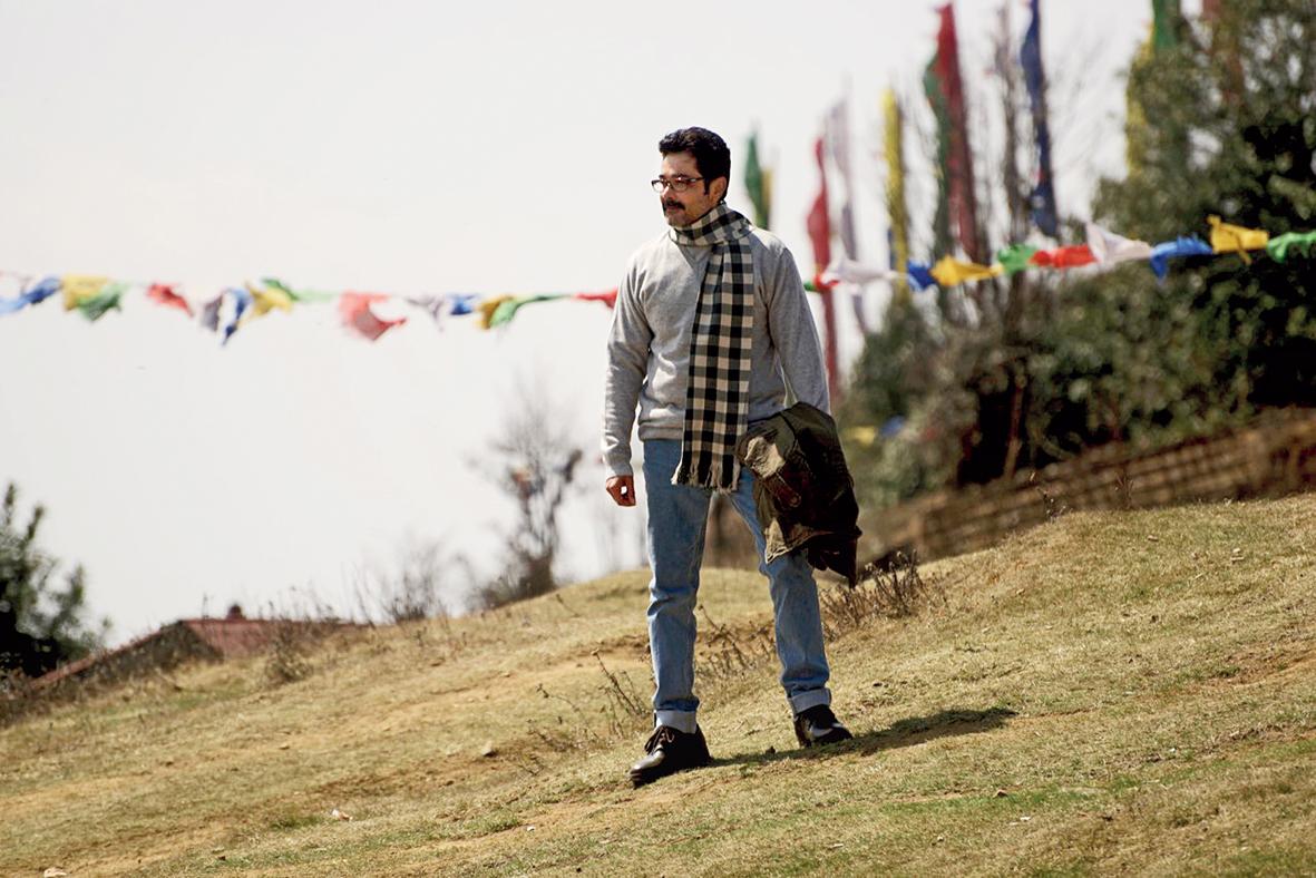 Prosenjit in a scene from 'Nirontor'.