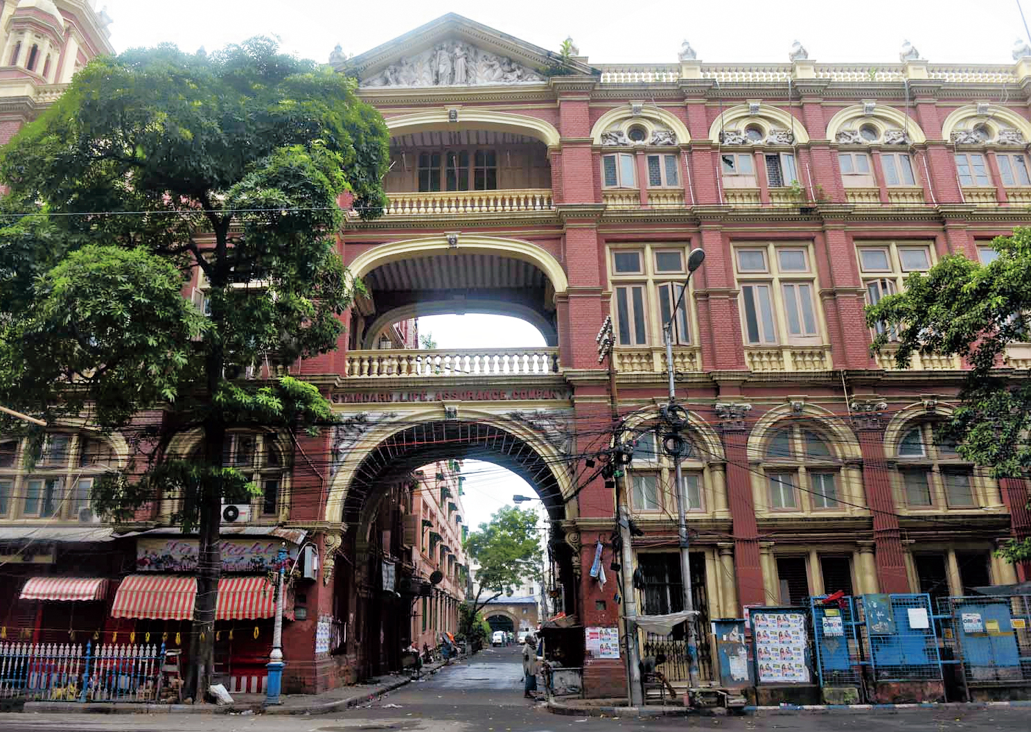 The Standard Life Assurance building on Hemanta Basu Sarani. The small passage through the gateway leads to one end of the Rodda godown.