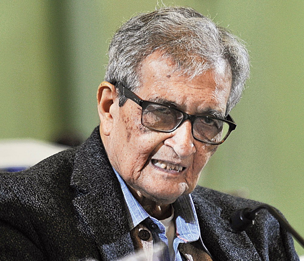 No one should be patient about talk of Kauravas being test-tube babies, says Amartya Sen