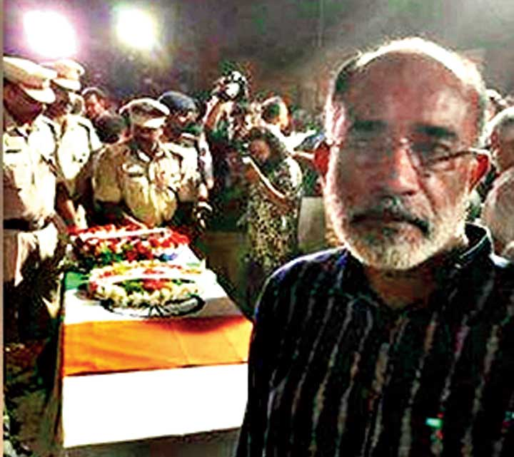 Union minister Alphons Kannanthanam in the picture that has drawn criticism