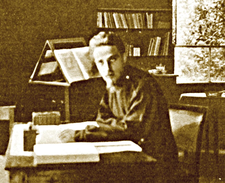 Rainer Maria Rilke in the studio al Ponte in the garden of Villa Strohl-Fern in Rome 1904