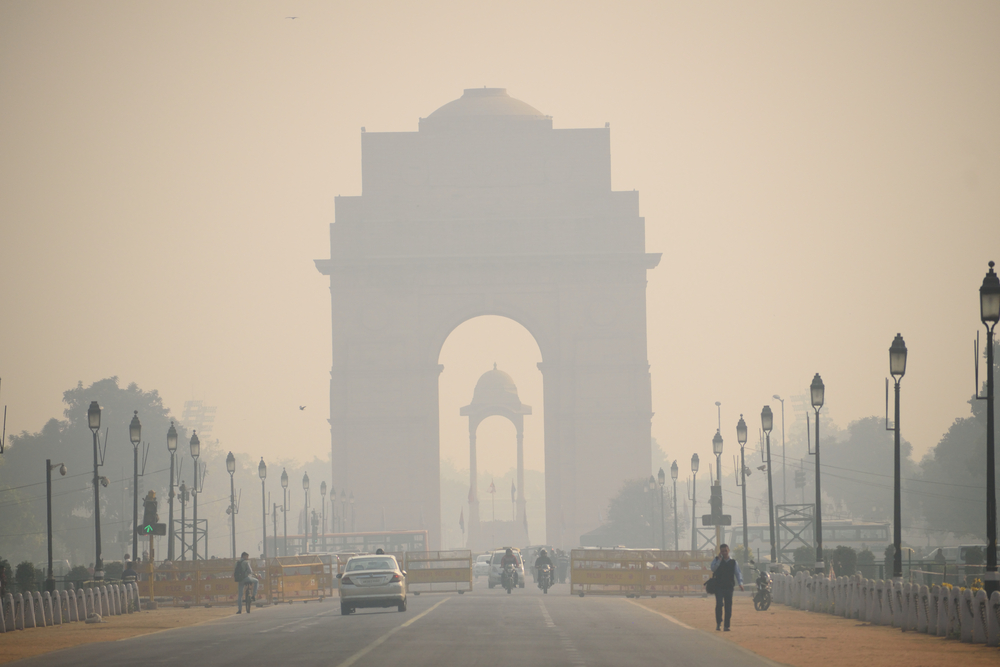 A smog-covered India Gate in November 2017.