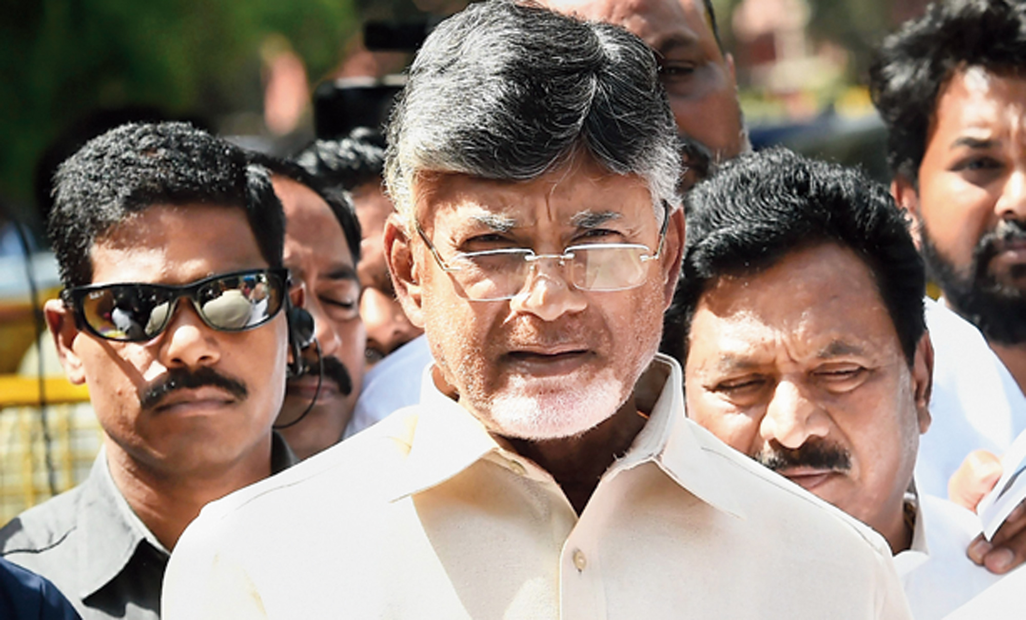 Chandrababu Naidu bats for paper ballot