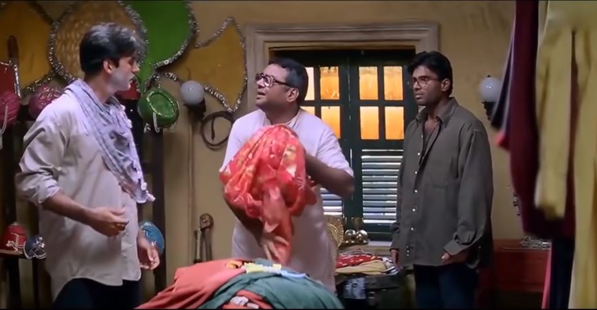 Akshay Kumar, Paresh Rawal and Suniel Shetty in Hera Pheri