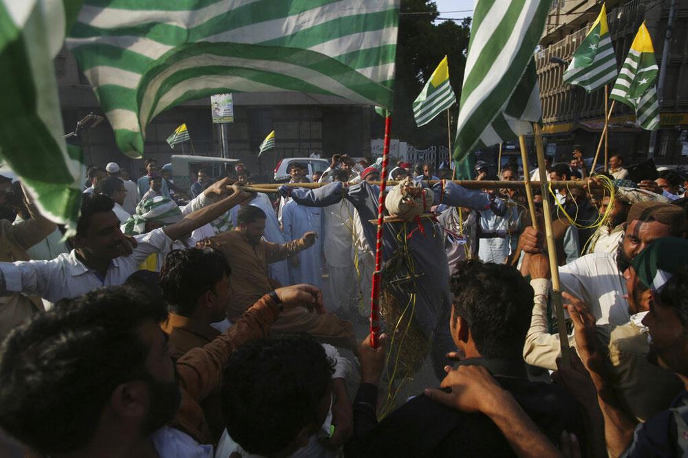 Masood kin held, says Pakistan. Not enough, says India