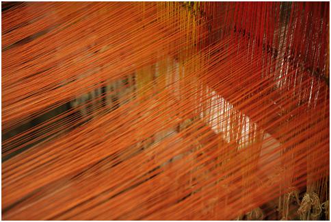 Handloom making Maheshwari patterned sarees