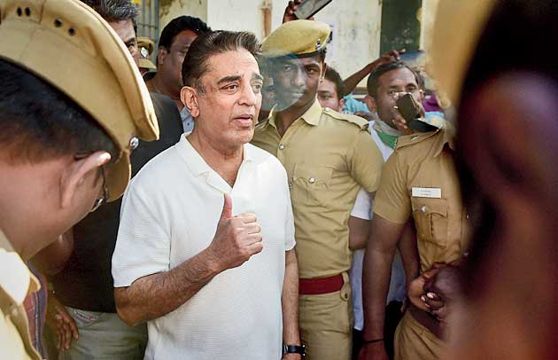 Crane crash kills 3 on Kamal Haasan film set
