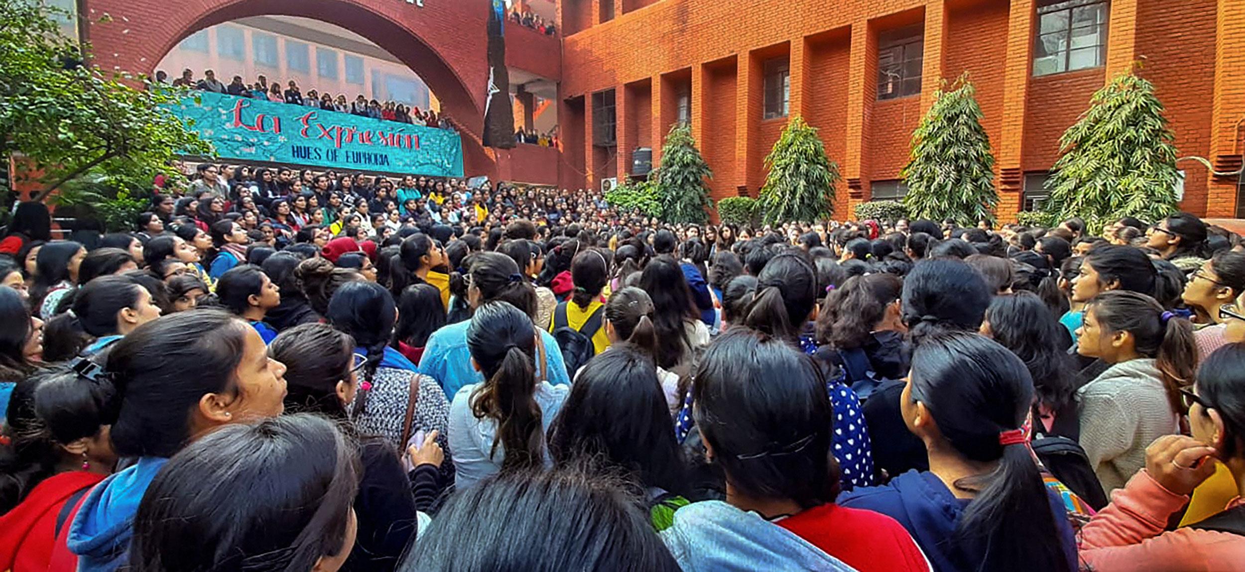 10 held for Gargi College assault