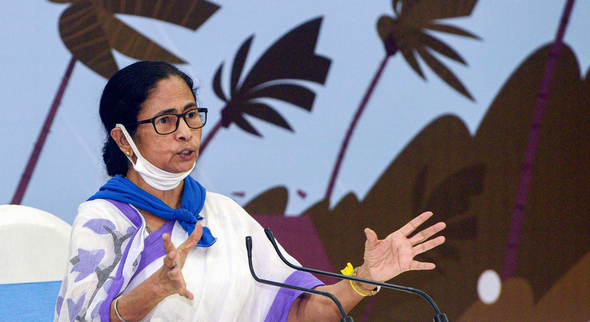 """Prime Minister Sir, have mercy, set up a Rs 10,000-crore fund. It will be enough to give migrant workers and those in the unorganised sectors thousands of rupees each. I say this on the basis of thorough calculations,"" Mamata said at Nabanna."