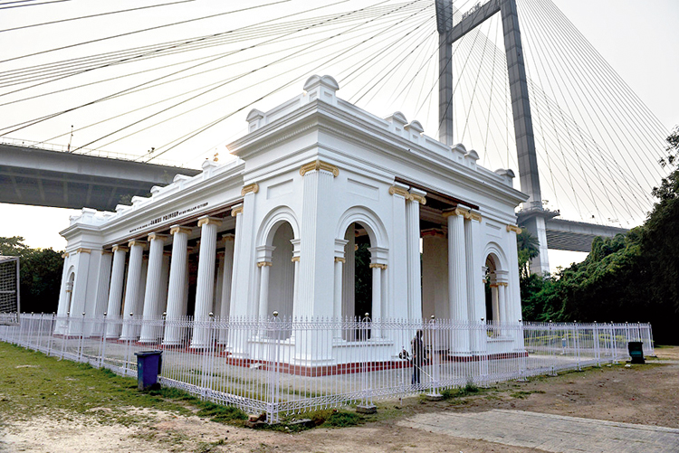 The iron fence around the Prinsep Ghat monument