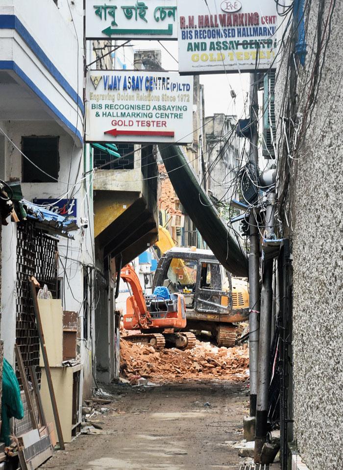 Syakrapara Lane in Bowbazar lined with jewellery shops