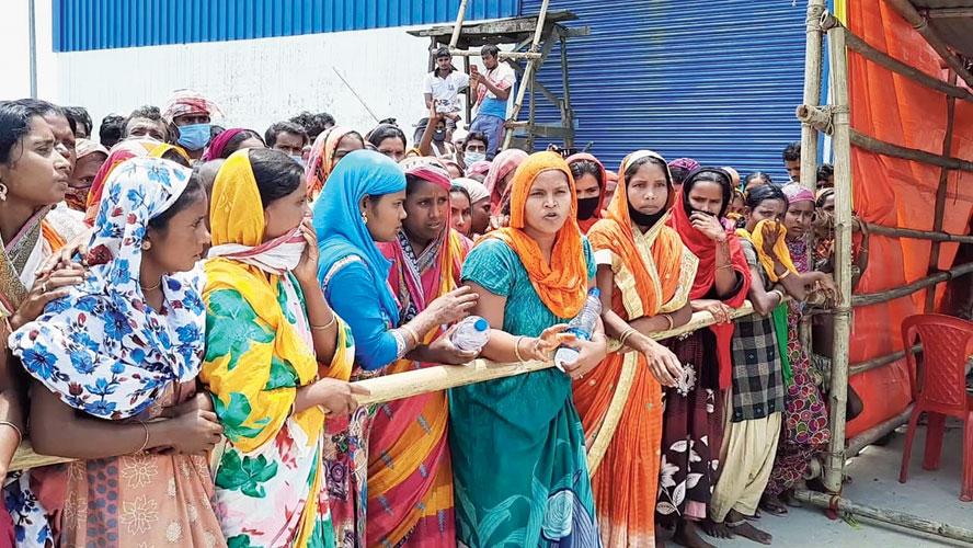 Dhubri River Port quarantine centre inmates protest on Thursday.