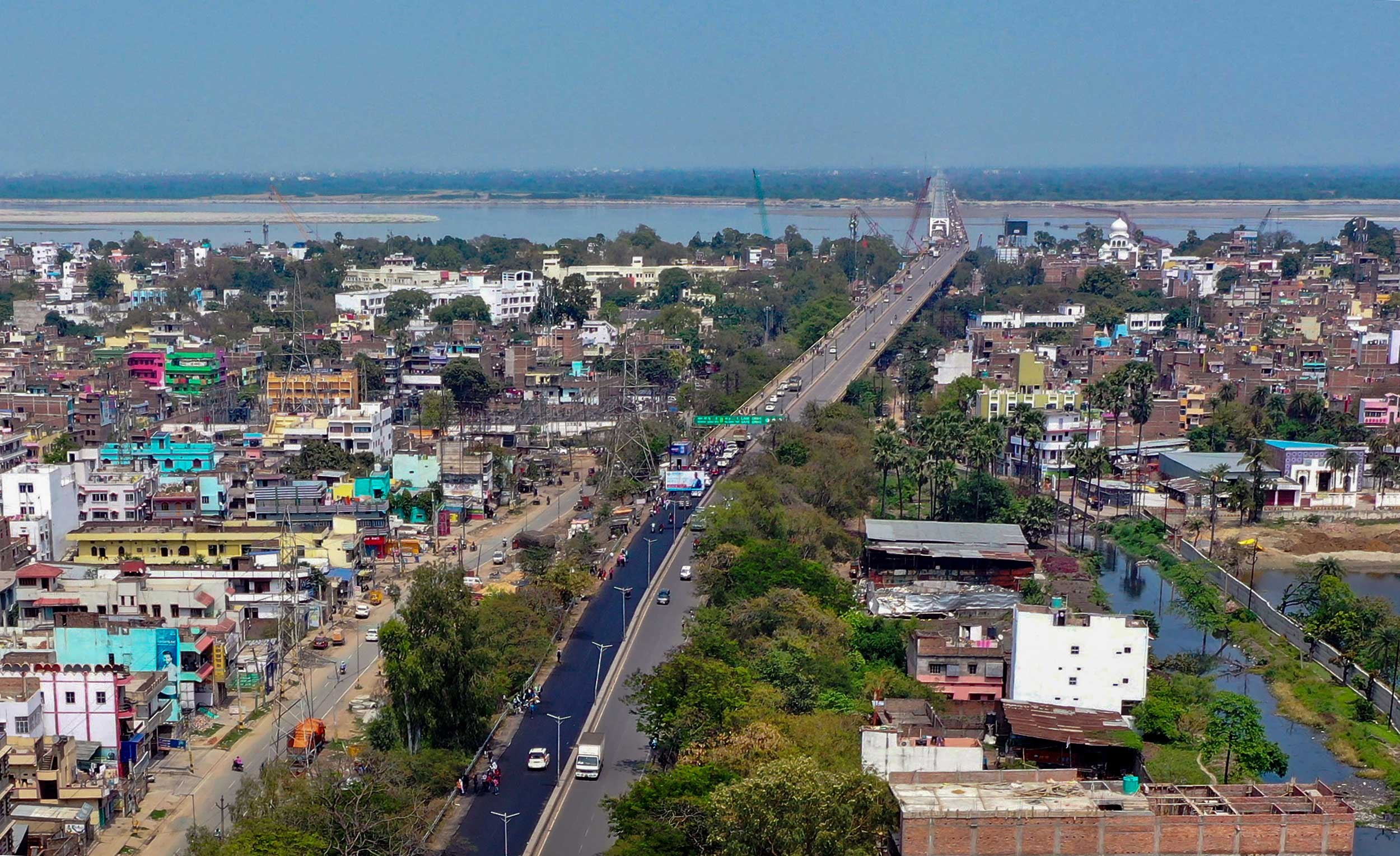 NH-30 wears a deserted look during the nationwide lockdown in Patna on Sunday.