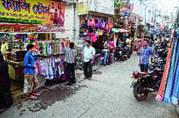 Cops prepare for curbs on truck entry in Burrabazar and Posta