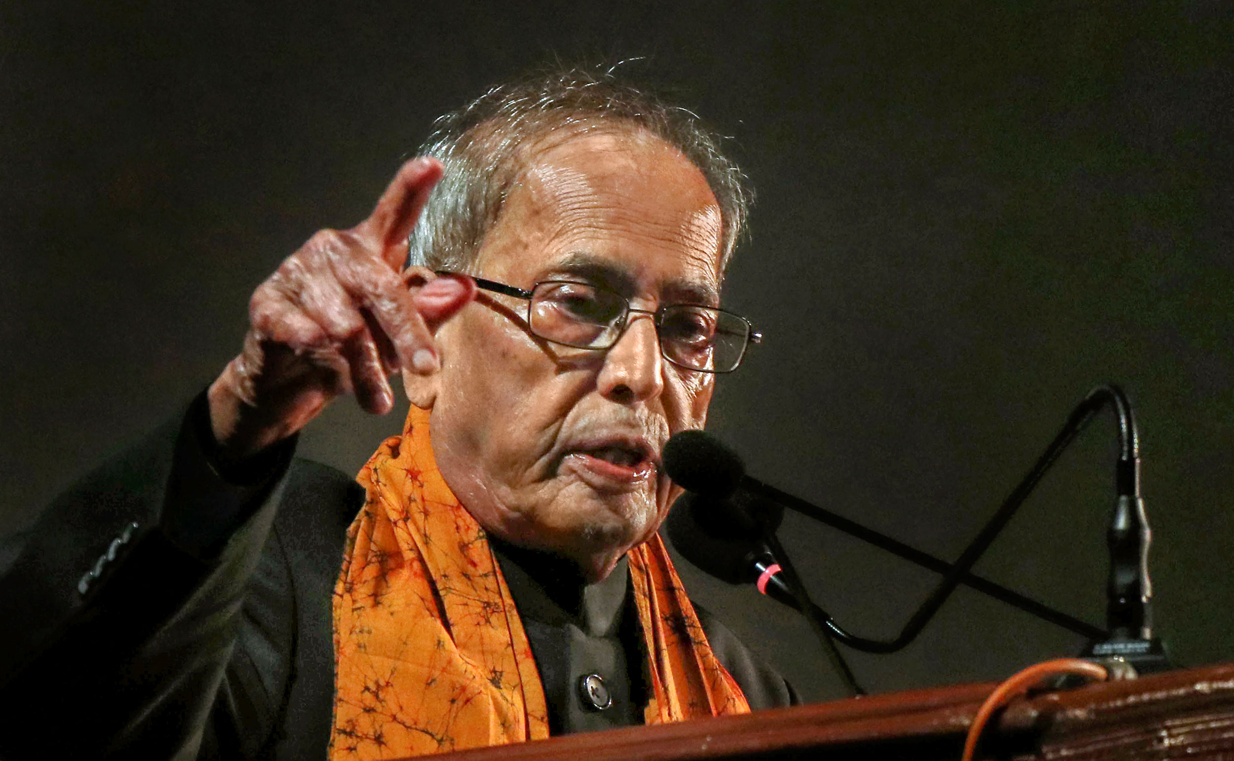 Pranab Mukherjee delivers his speech in Santiniketan on Tuesday.