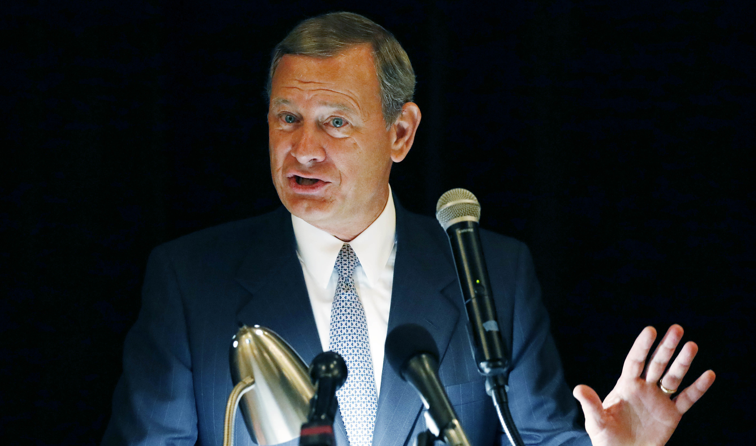Chief Justice John Roberts speaks during the Bicentennial of Mississippi's Judiciary and Legal Profession Banquet in Jackson, Mississippi on  September 27, 2017.